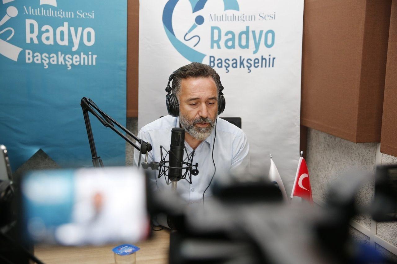 """Dışişleri Bakanı Çavuşoğlu: """"Macron, tehlikeli bir oyun oynuyor"""" - Sayfa 4"""