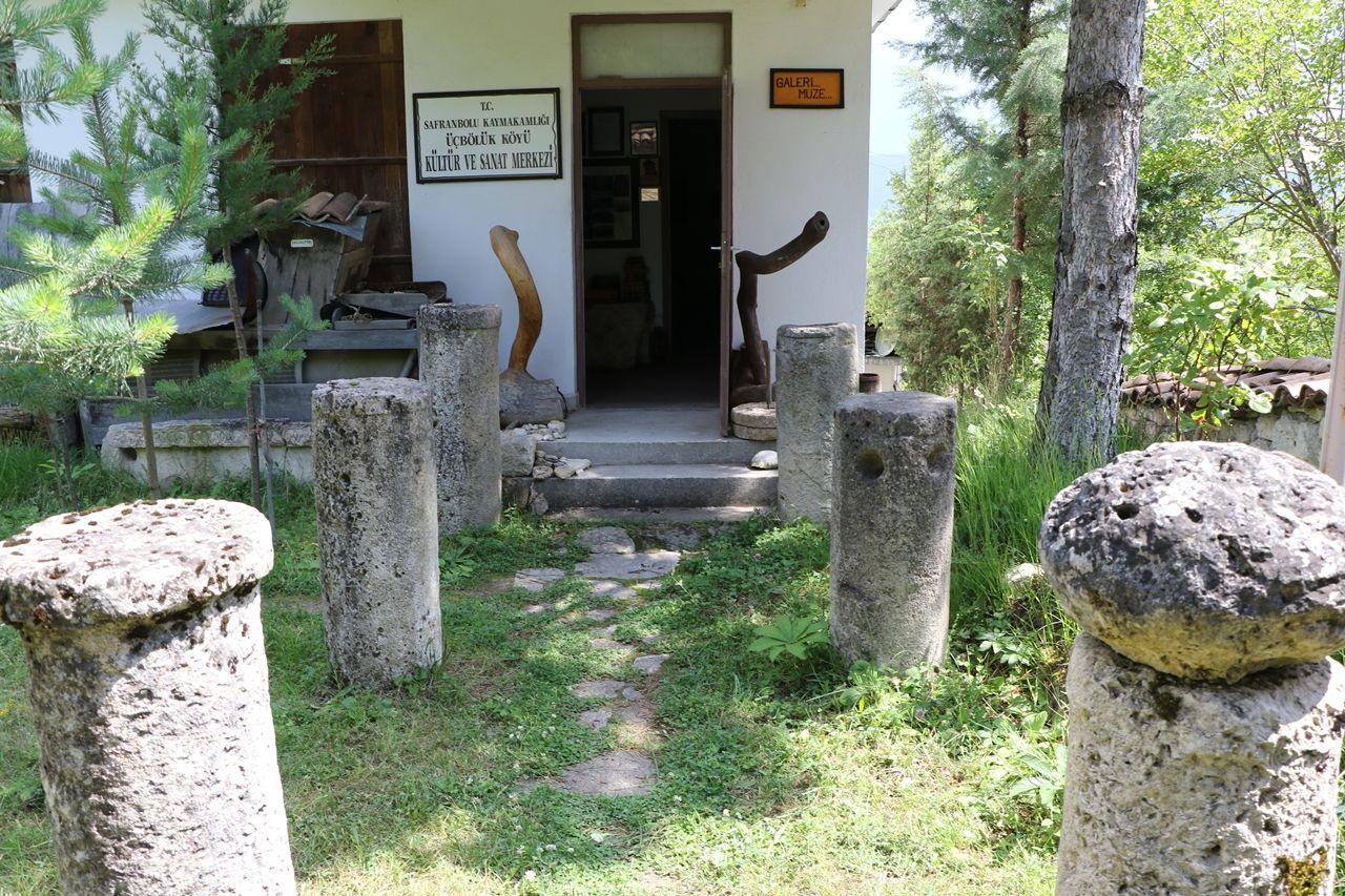 Çevreden topladığı tarihi kalıntılarla köyde müze açtı - Sayfa 3