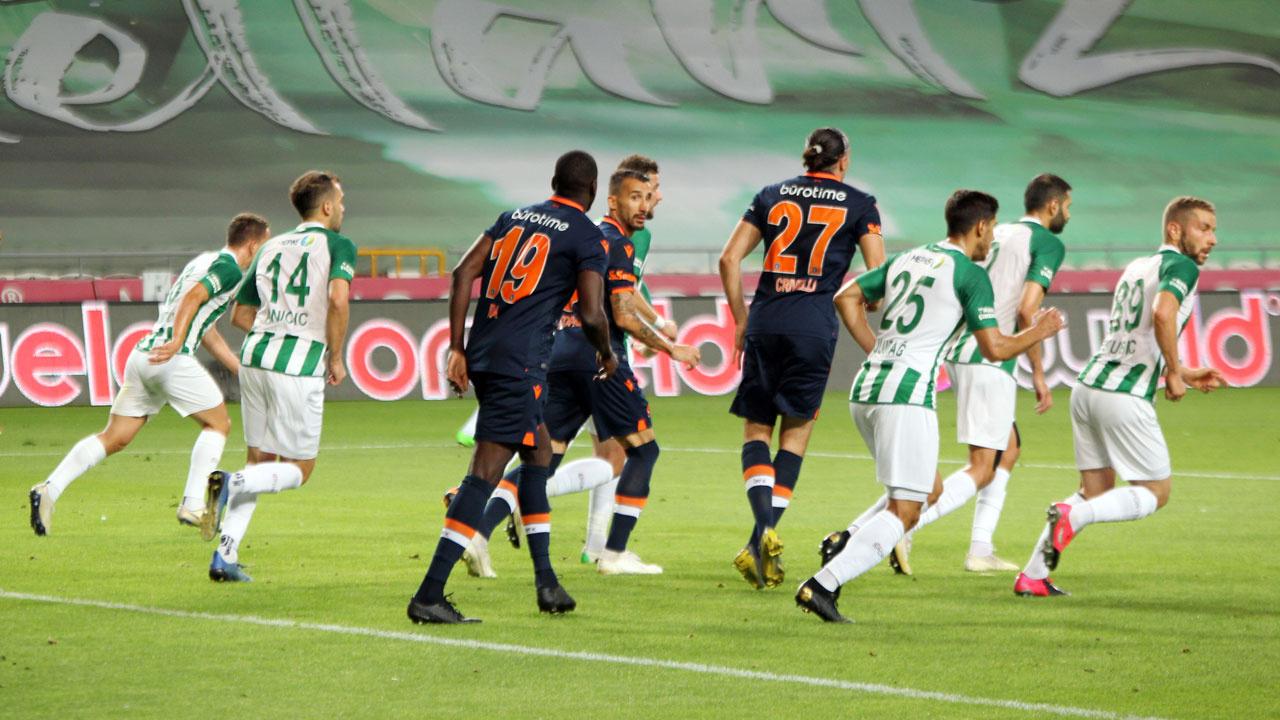 Nefes kesen maçta 7 gol! Başakşehir Konyaspor'a kaybetti