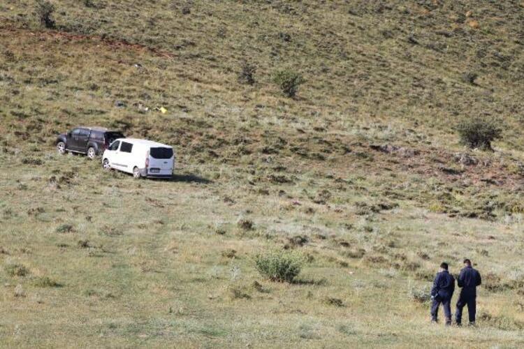 Van'da keşif uçağı düştü! Olay yerinden ilk fotoğraflar geldi - Sayfa 4