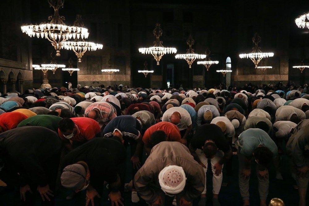 Ayasofya Camii'ne ziyaretçi akını gece de sürdü - Sayfa 2