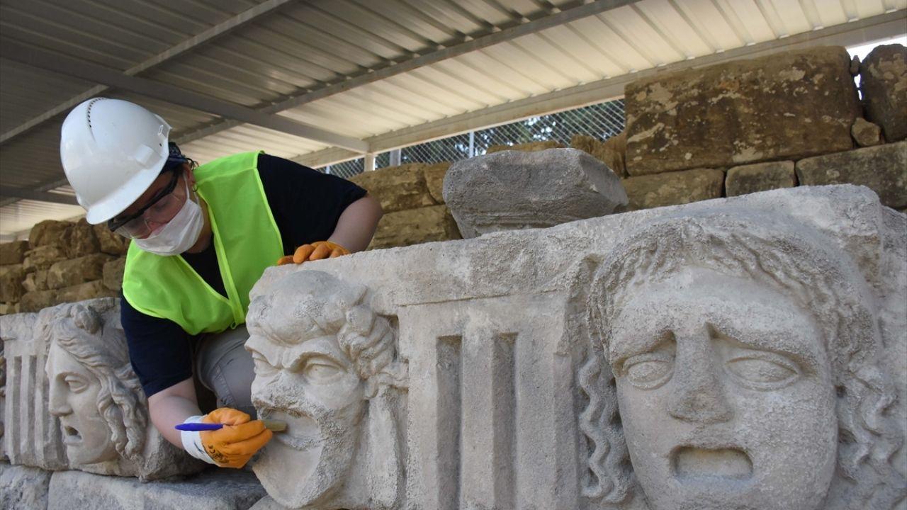 Mitolojik masklar taş hastanesinde restore ediliyor - Sayfa 2