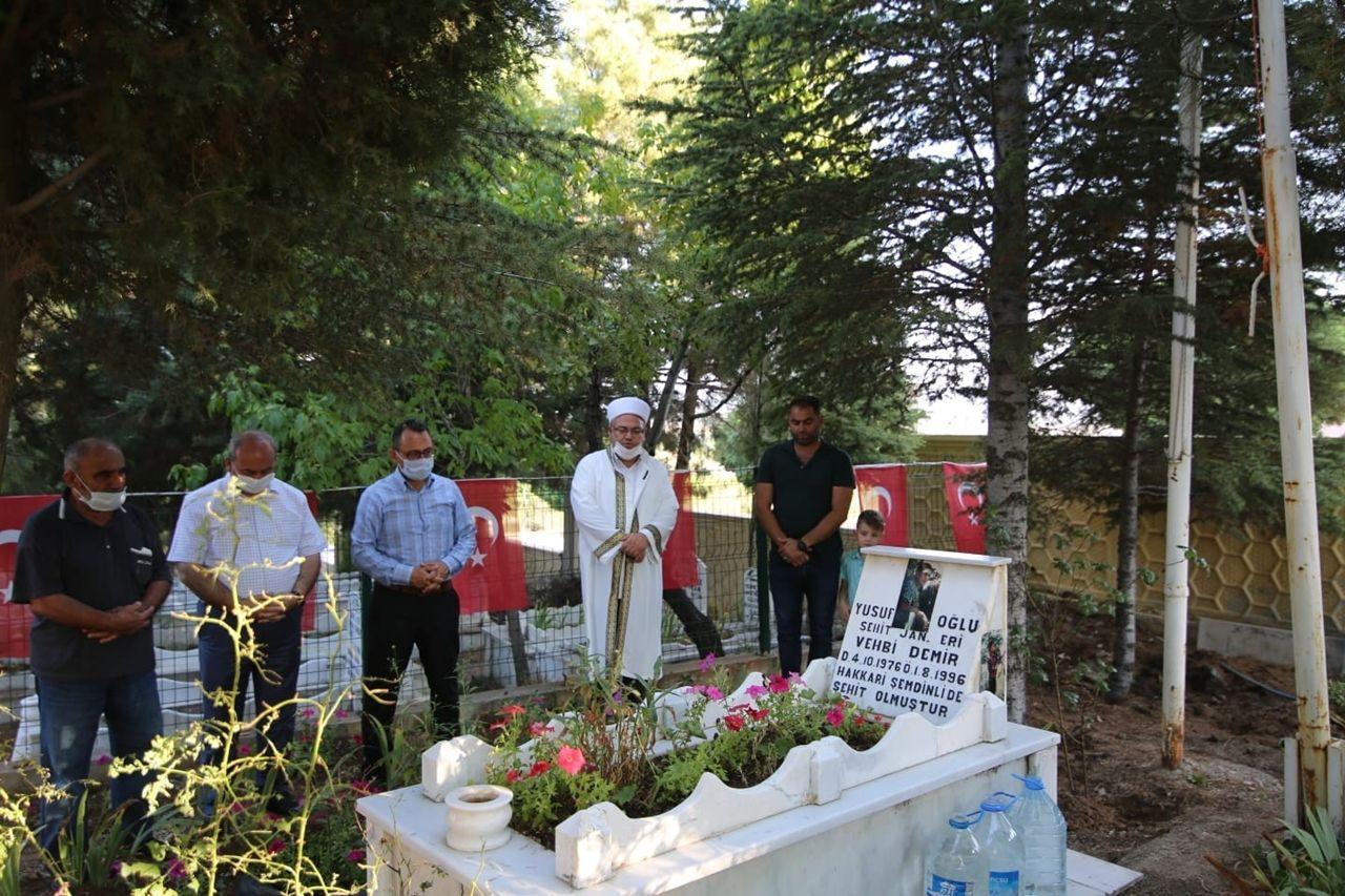 Başkan Arpacı, 1 Ağustos şehitlerine mezar başlarında dua etti - Sayfa 2