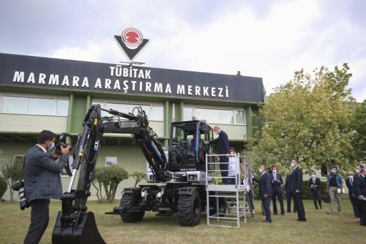 Cumhurbaşkanı Erdoğan yerli ve milli ekskavatörü inceleyerek bilgi aldı - Sayfa 4