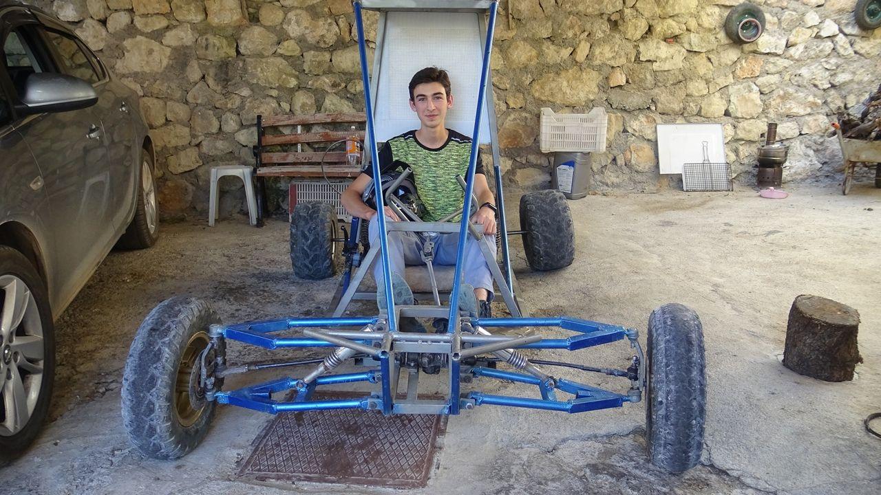Pandemi sürecinde evde sıkılan liseli genç, su motorundan 'buggy' araba yaptı - Sayfa 1