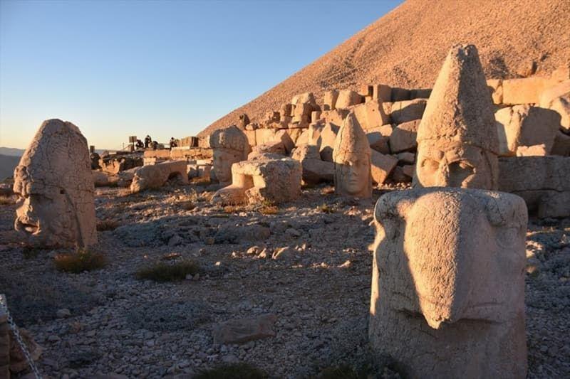 Nemrut Dağı'na ziyaretçi akını - Sayfa 1