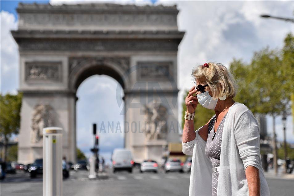 Paris'te maske zorunluluğu - Sayfa 1