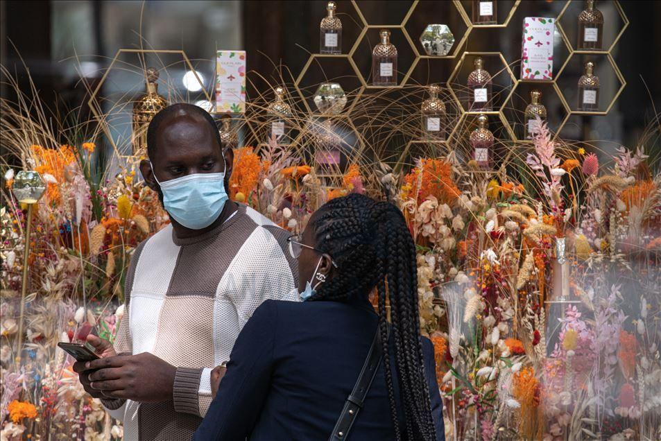 Paris'te maske zorunluluğu - Sayfa 3