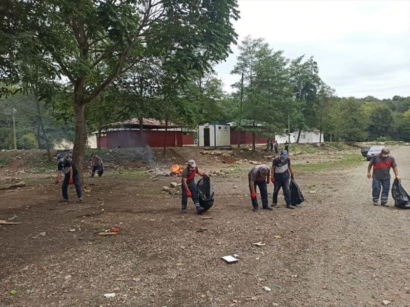 Ordu'da çevreye bırakılan çöplere şiveli tepki: 'Atma Daa!' - Sayfa 1