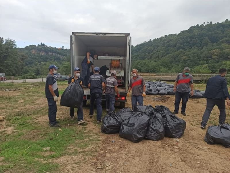 Ordu'da çevreye bırakılan çöplere şiveli tepki: 'Atma Daa!' - Sayfa 4