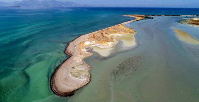 Türkiye'nin en büyük gölünde korkutan manzara! Su seviyesi 1 metreye düştü - Sayfa 1