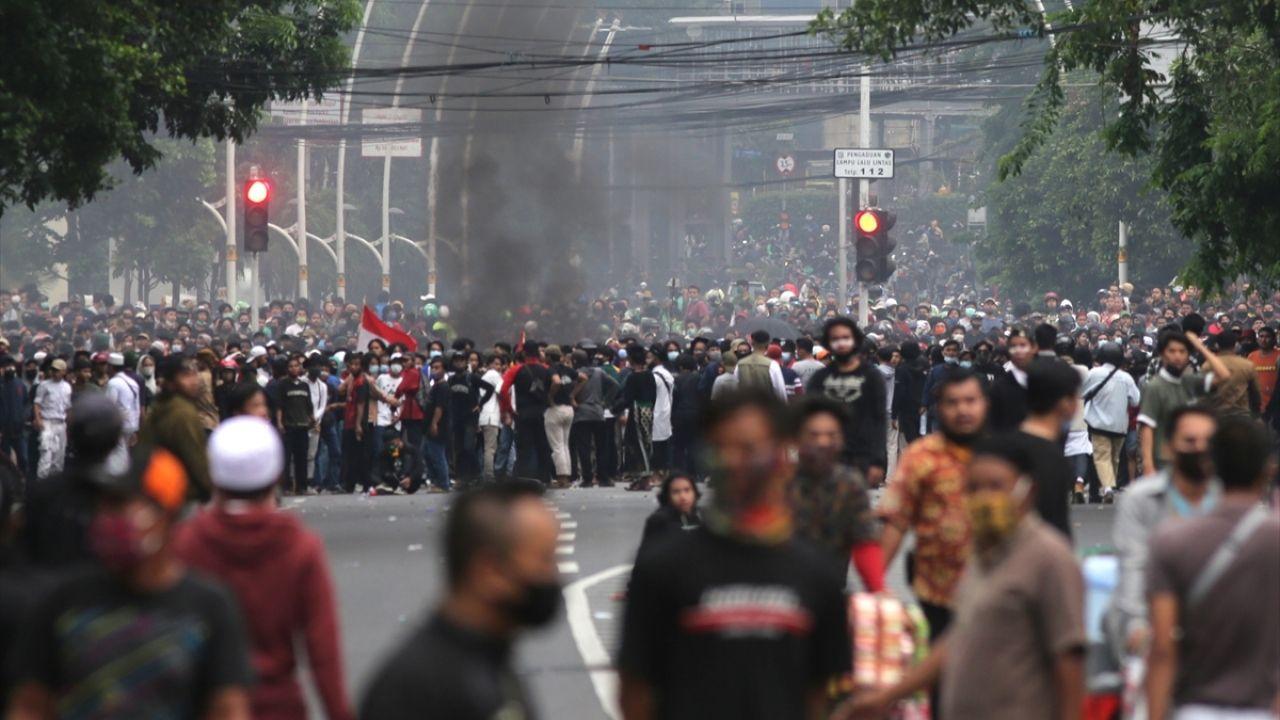 Endonezya'da yasalaşan istihdam paketine karşı gösteriler sürüyor - Sayfa 1
