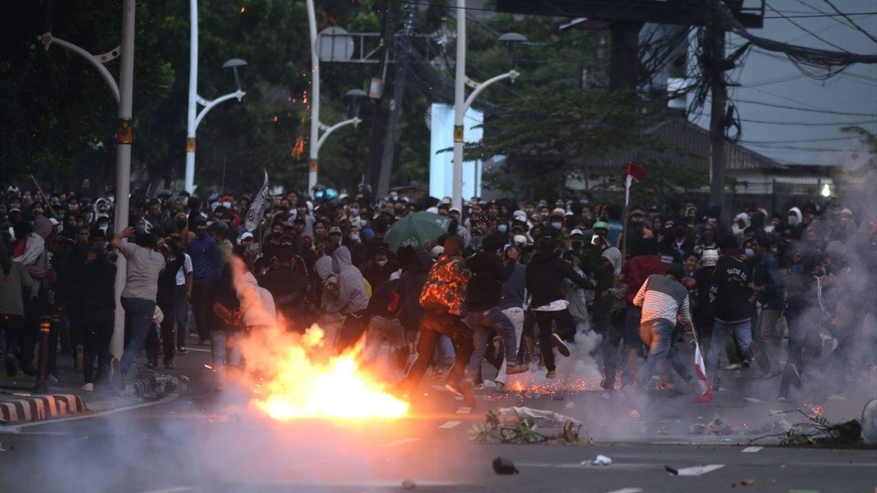 Endonezya'da yasalaşan istihdam paketine karşı gösteriler sürüyor - Sayfa 2