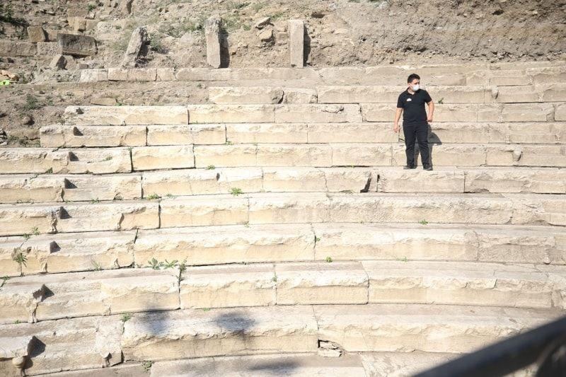 Düzce'de özel çocuklar antik tiyatrodaki kazı çalışmalarına katıldı - Sayfa 1