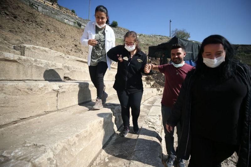 Düzce'de özel çocuklar antik tiyatrodaki kazı çalışmalarına katıldı - Sayfa 2