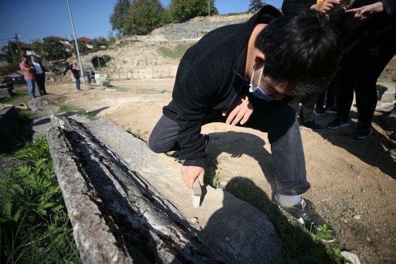 Düzce'de özel çocuklar antik tiyatrodaki kazı çalışmalarına katıldı - Sayfa 4