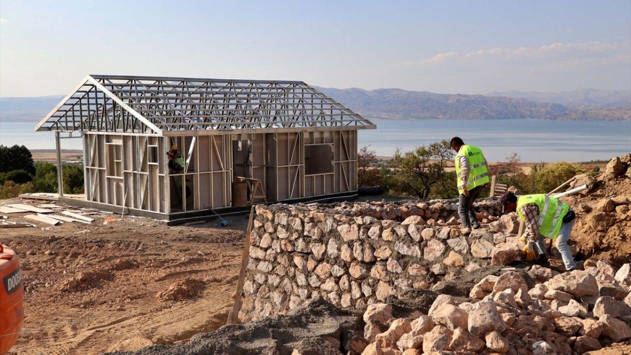 Elazığ'ın köylerindeki depremzedeler yeni evlerine kavuşuyor - Sayfa 2