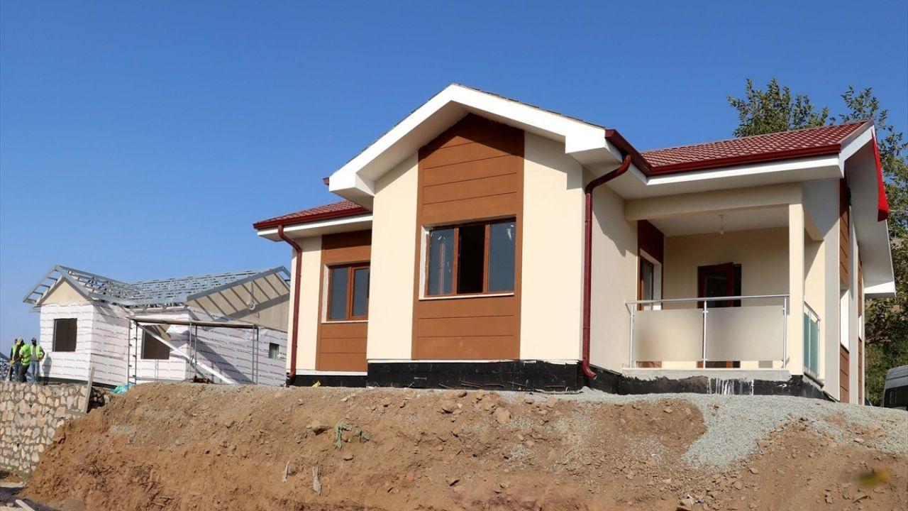 Elazığ'ın köylerindeki depremzedeler yeni evlerine kavuşuyor - Sayfa 3