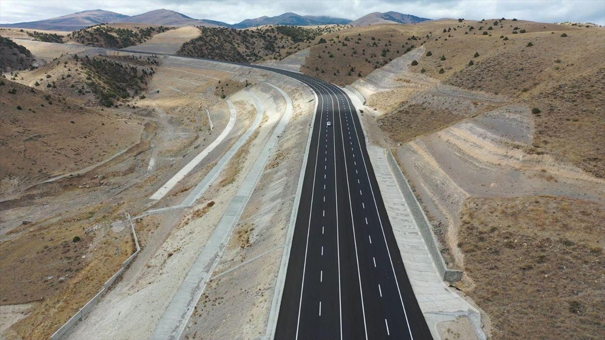 Yeni yapılan Kars-Erzurum kara yolunun bir kısmı ulaşıma açıldı - Sayfa 1