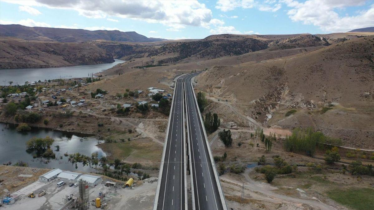 Yeni yapılan Kars-Erzurum kara yolunun bir kısmı ulaşıma açıldı - Sayfa 2