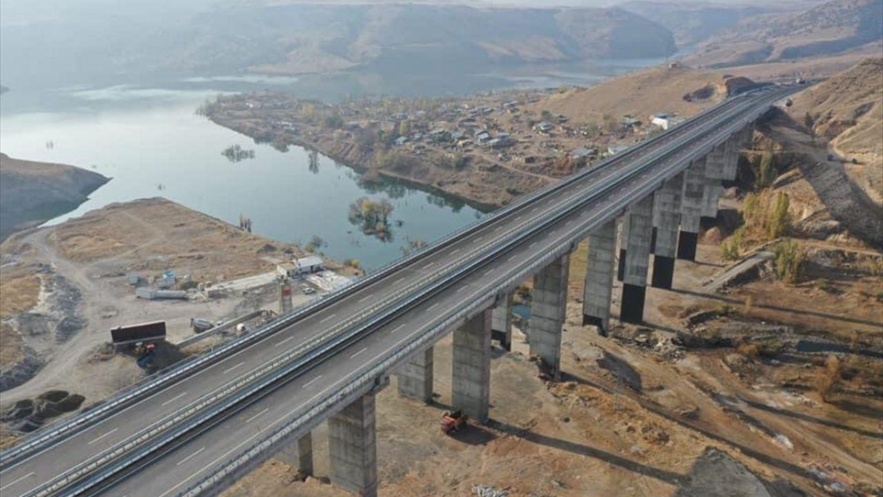 Yeni yapılan Kars-Erzurum kara yolunun bir kısmı ulaşıma açıldı - Sayfa 4