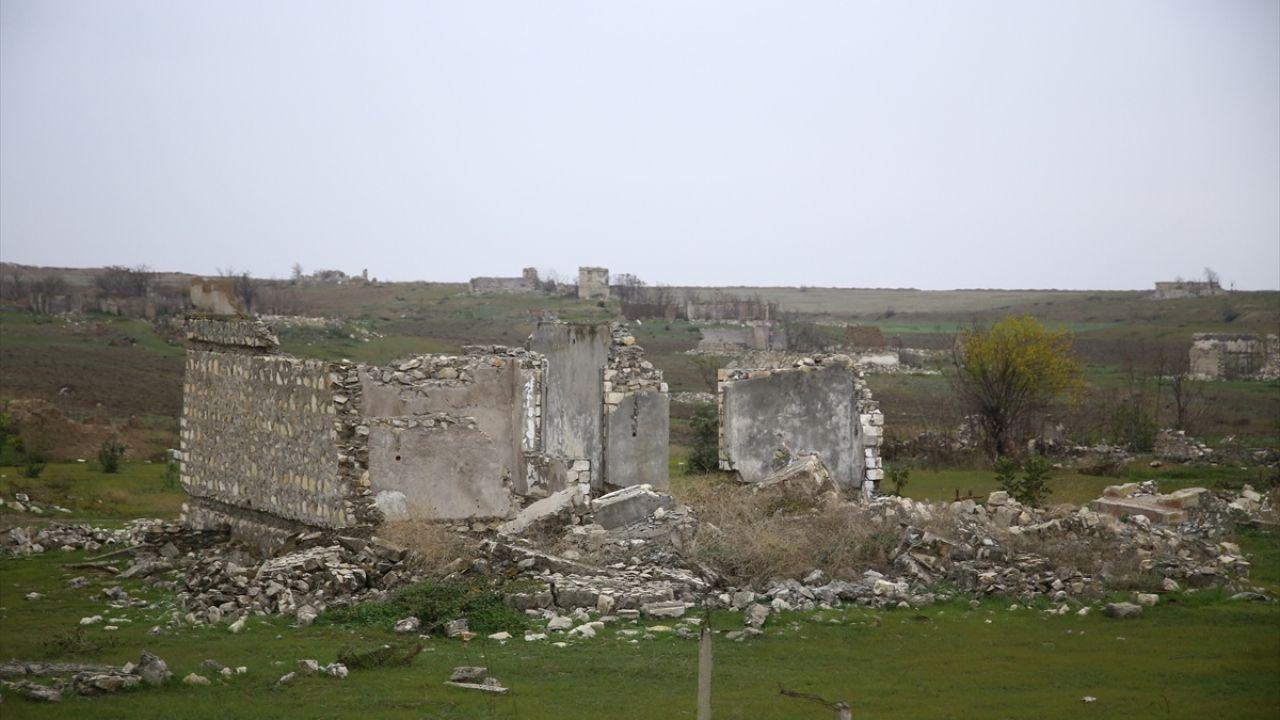 Ermenistan işgalinde harabeye dönüşen kent Fuzuli - Sayfa 1