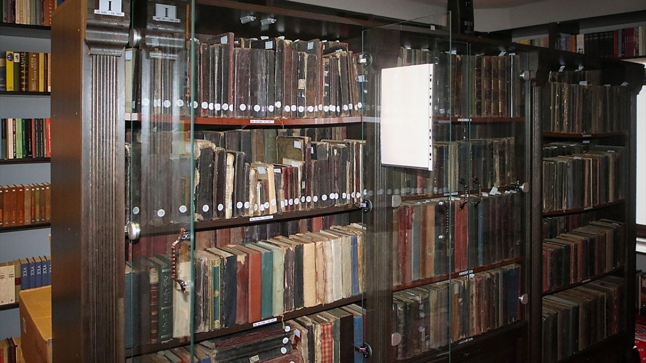 Bosna'daki kütüphane Osmanlı döneminden eserleri yıllardır koruyor - Sayfa 1
