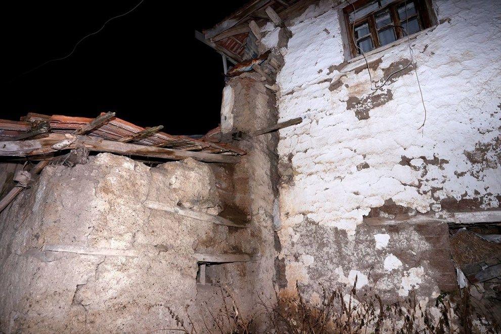 Ankara Kalecik'te 4,5'lik deprem sonrası incelemeler sürüyor - Sayfa 3