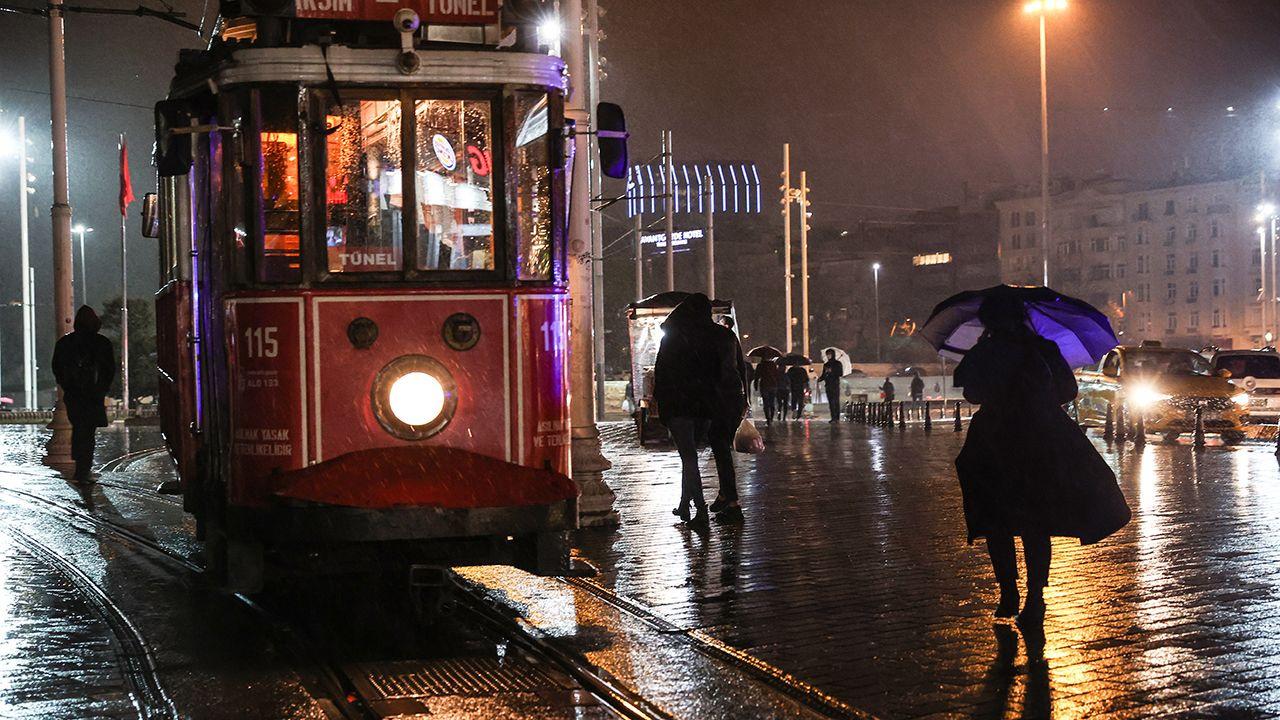 İstanbul'da sağanak etkili oluyor - Sayfa 3