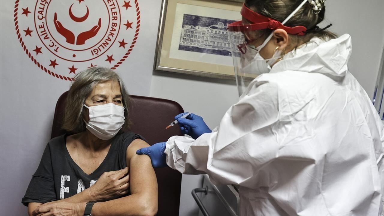 Huzurevleri ve bakımevlerinde aşı uygulaması başladı - Sayfa 1