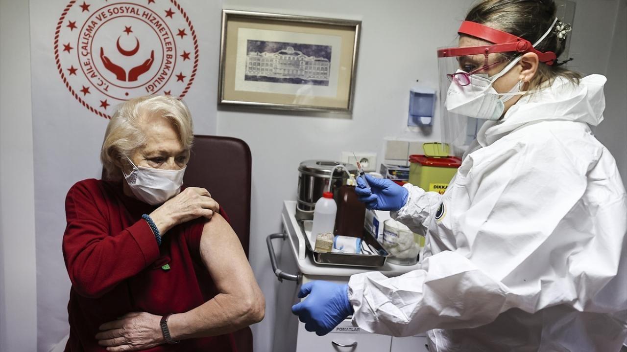 Huzurevleri ve bakımevlerinde aşı uygulaması başladı - Sayfa 2