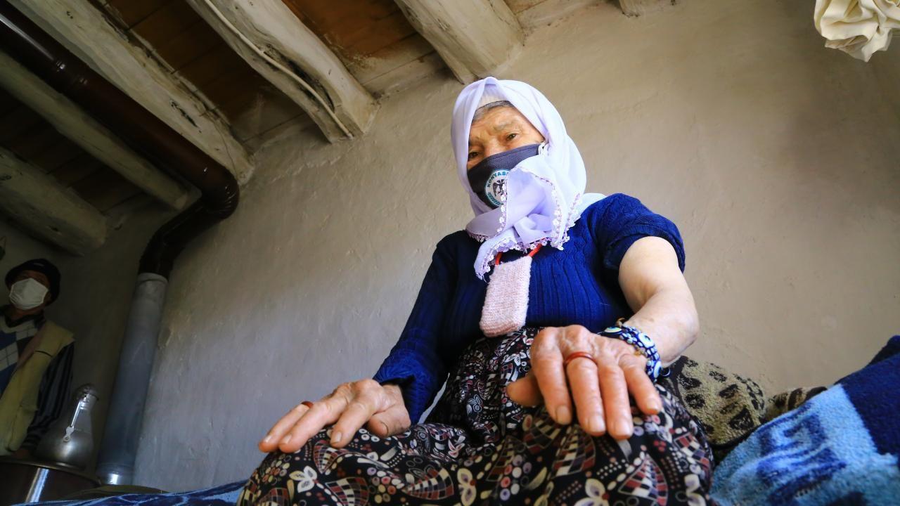 Zeynep teyze aşı ekibini görünce gözyaşlarını tutamadı - Sayfa 1