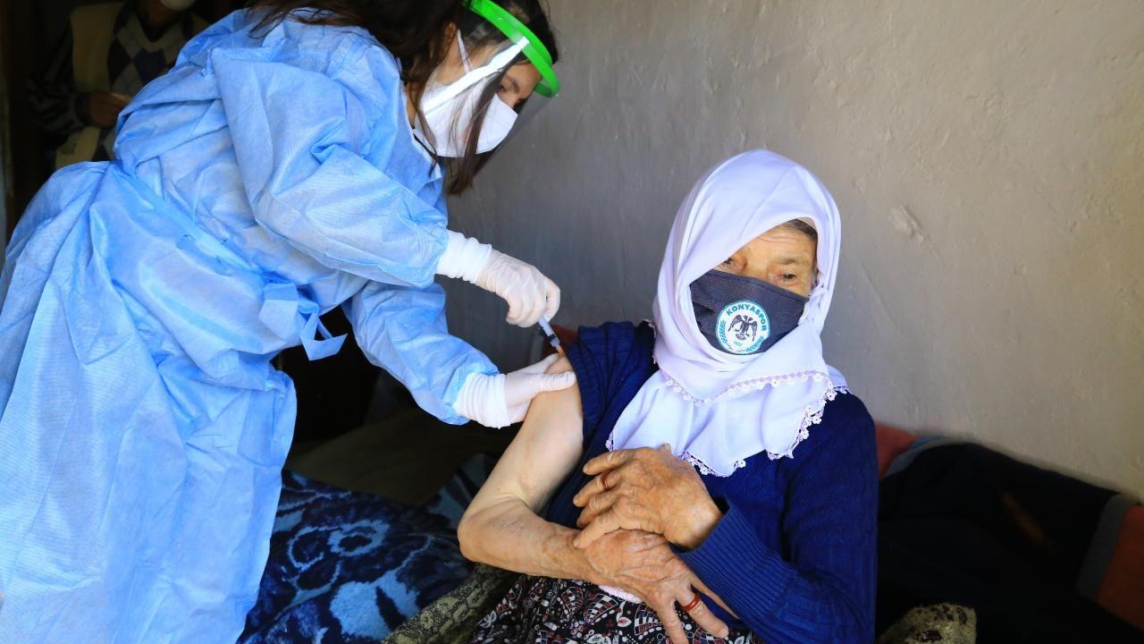 Zeynep teyze aşı ekibini görünce gözyaşlarını tutamadı - Sayfa 2
