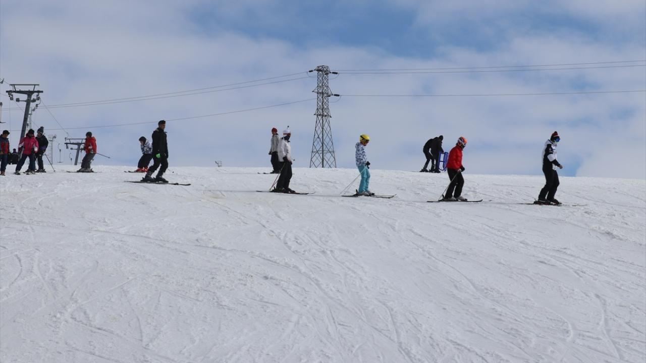 Ağrılı çocuklar geleceğin milli kayak sporcusu olmayı hedefliyor - Sayfa 1