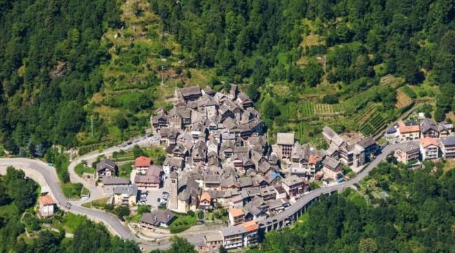 Hayalet şehre dönmek üzere olan İtalya'nın bu kasabasında çocuk sahibi olana 7 bin TL veriyorlar - Sayfa 1