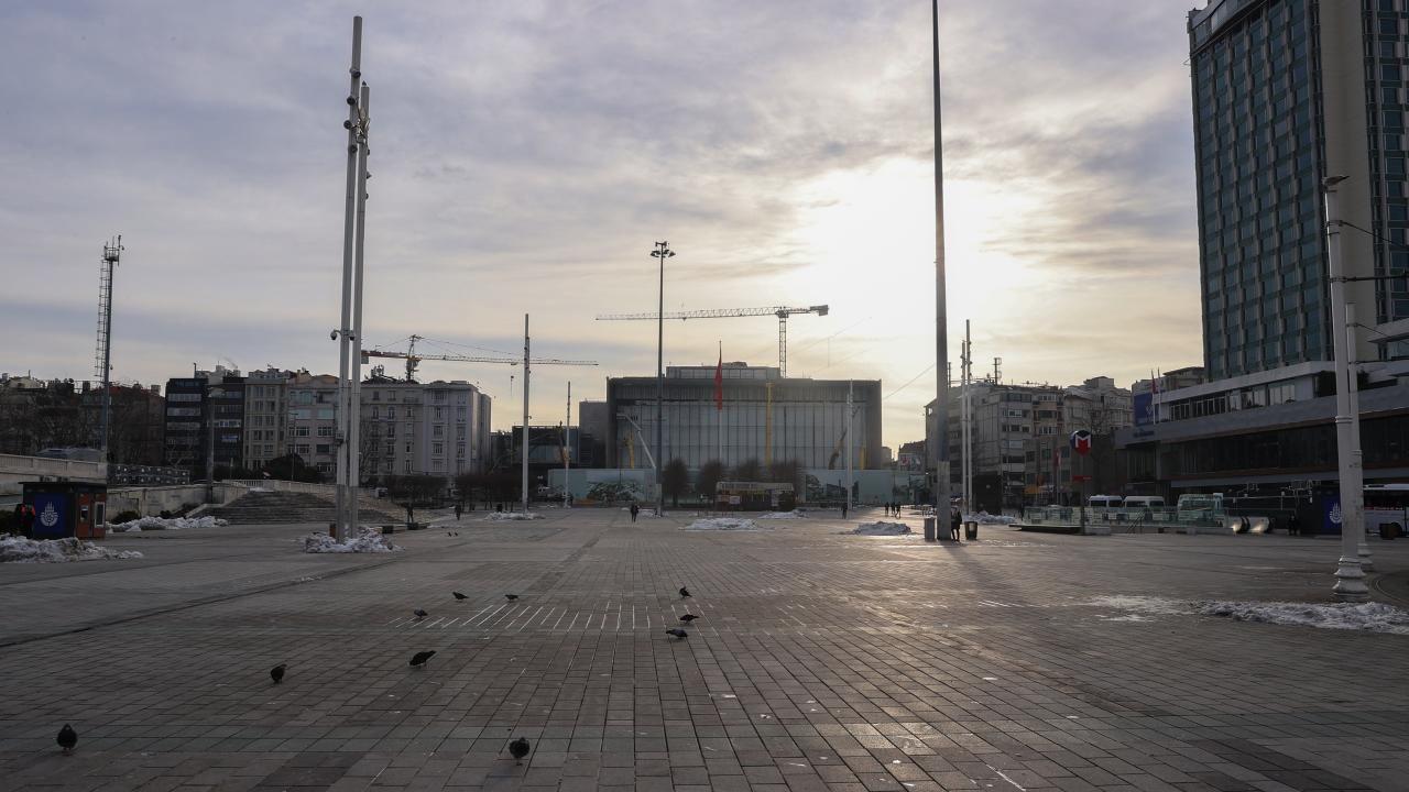 Yurt geneli kısıtlama: Cadde ve sokaklarda sessizlik hakim - Sayfa 1