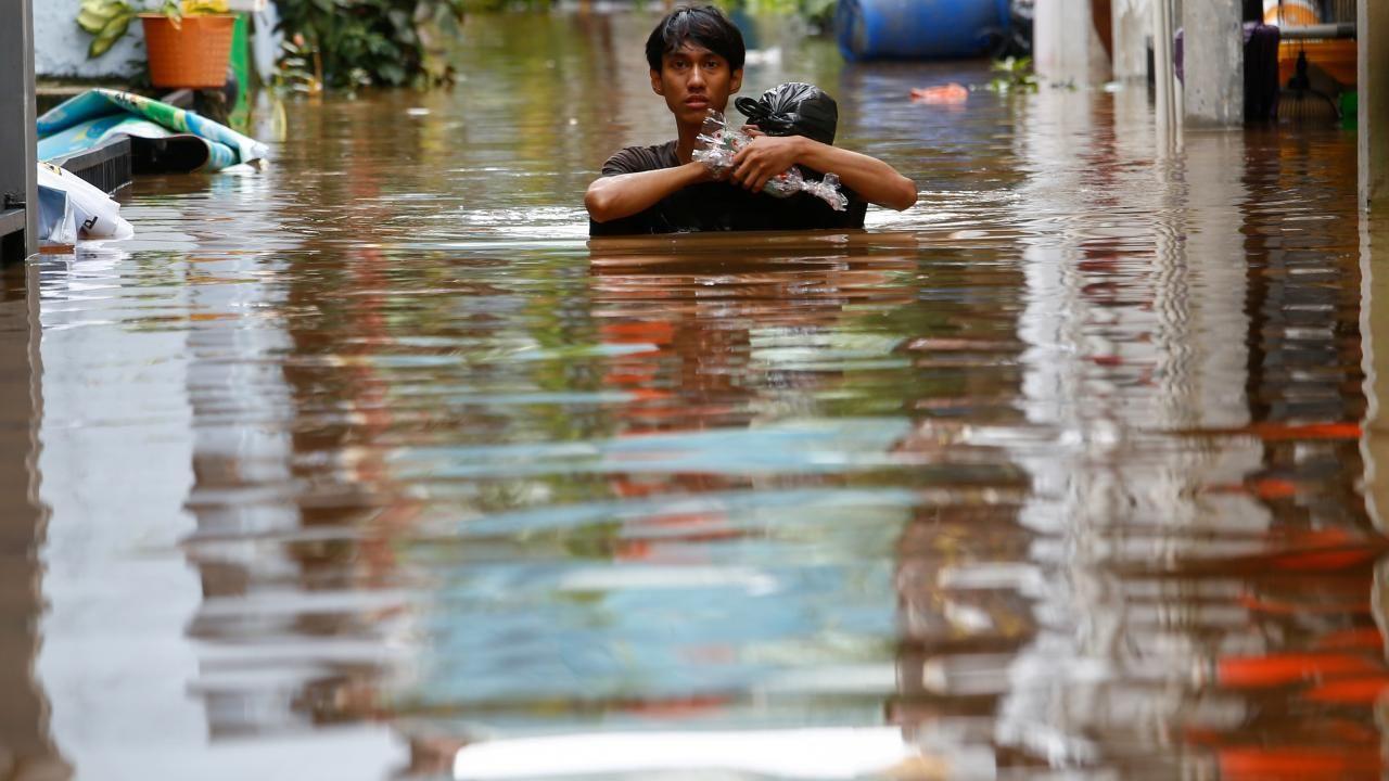 Endonezya sular altında kaldı - Sayfa 3