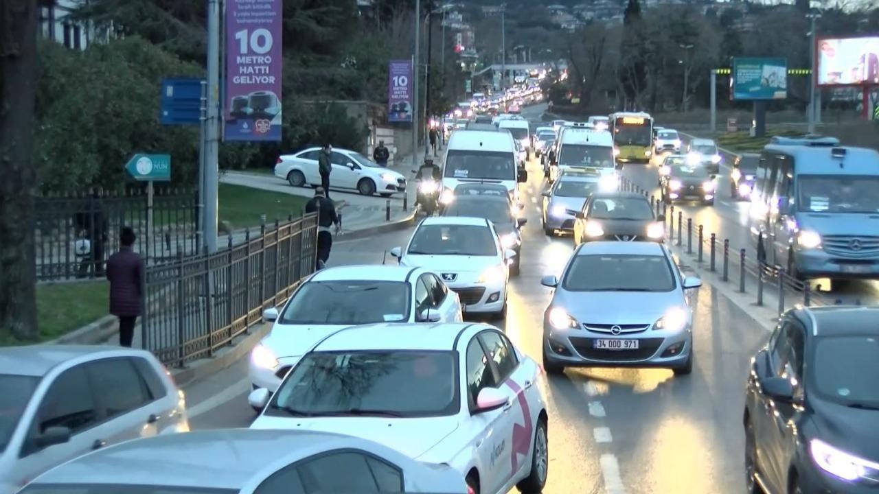Kısıtlama sonrası İstanbul'da trafik yoğunluğu - Sayfa 1