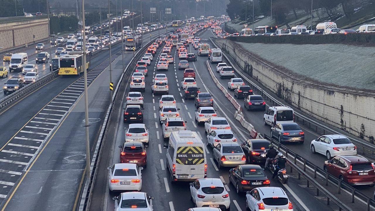 Kısıtlama sonrası İstanbul'da trafik yoğunluğu - Sayfa 2