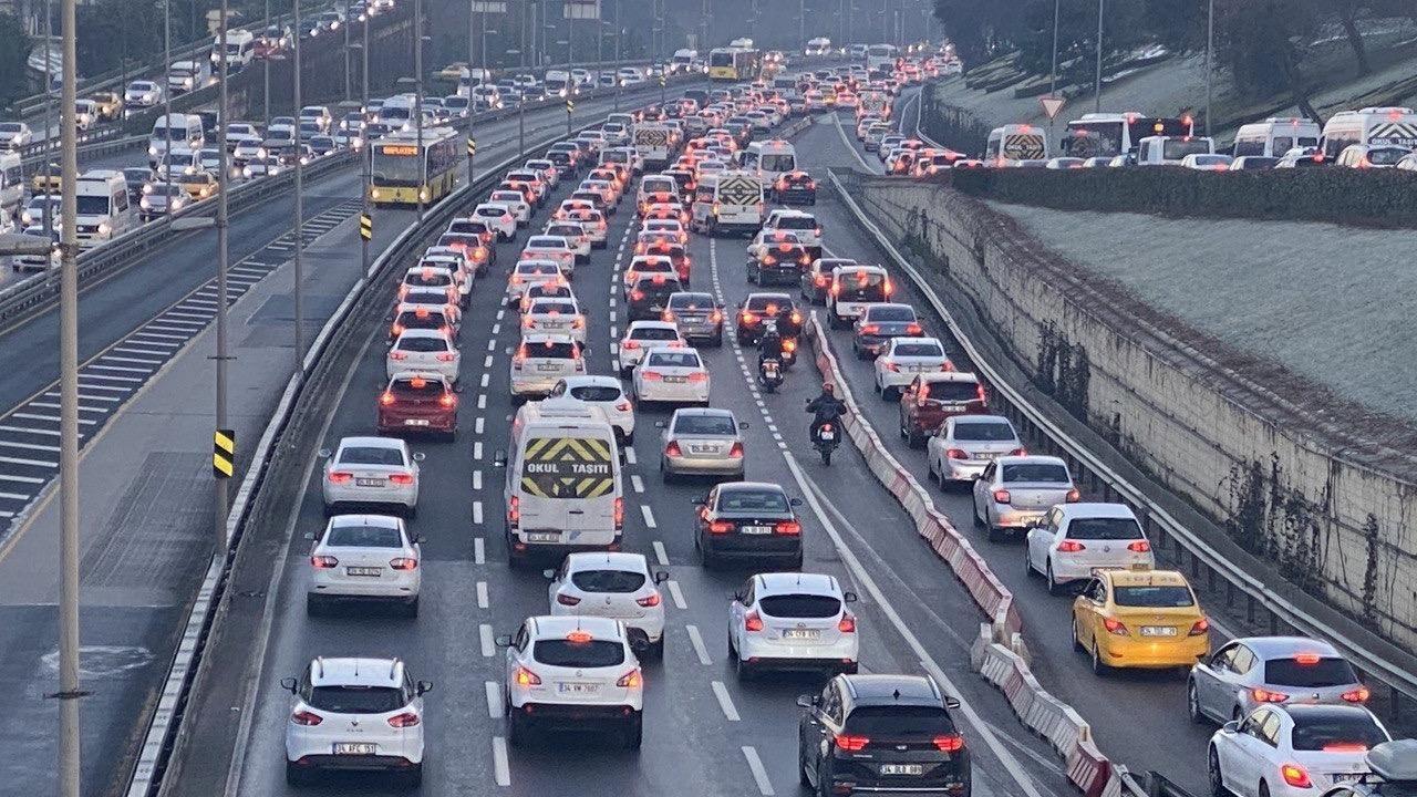 Kısıtlama sonrası İstanbul'da trafik yoğunluğu - Sayfa 4