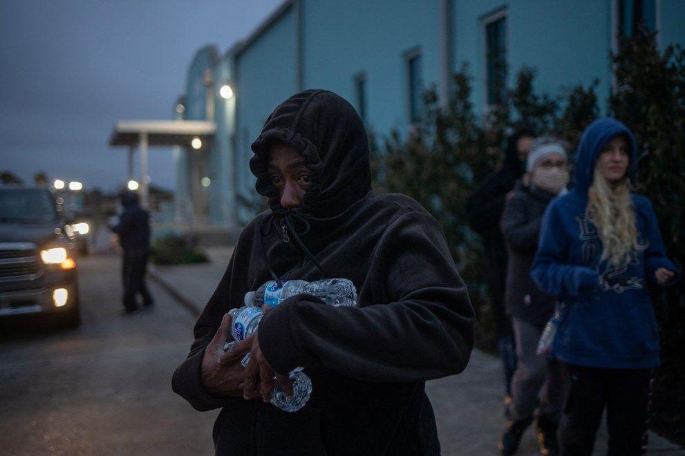 Kutup soğuklarının vurduğu Teksas'ta 8,8 milyon kişi su sıkıntısı çekiyor - Sayfa 1
