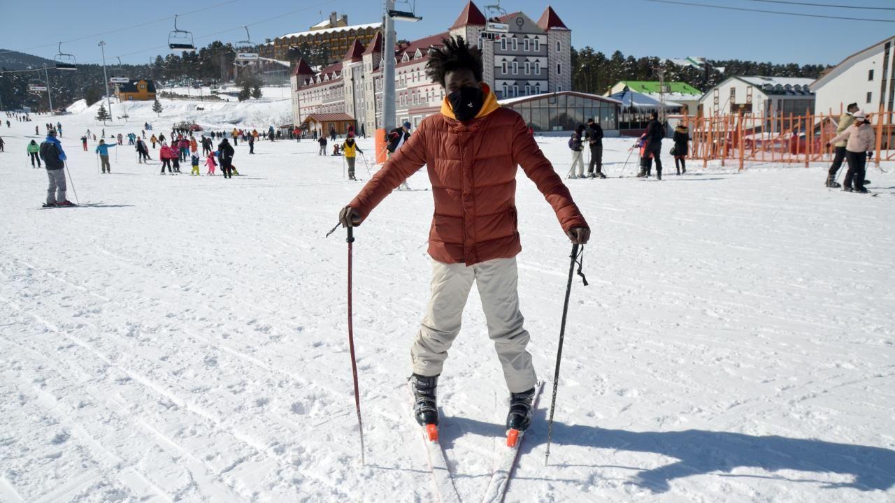 Turistler güneşli havanın keyfini Cıbıltepe'de kayak yaparak çıkardı - Sayfa 3