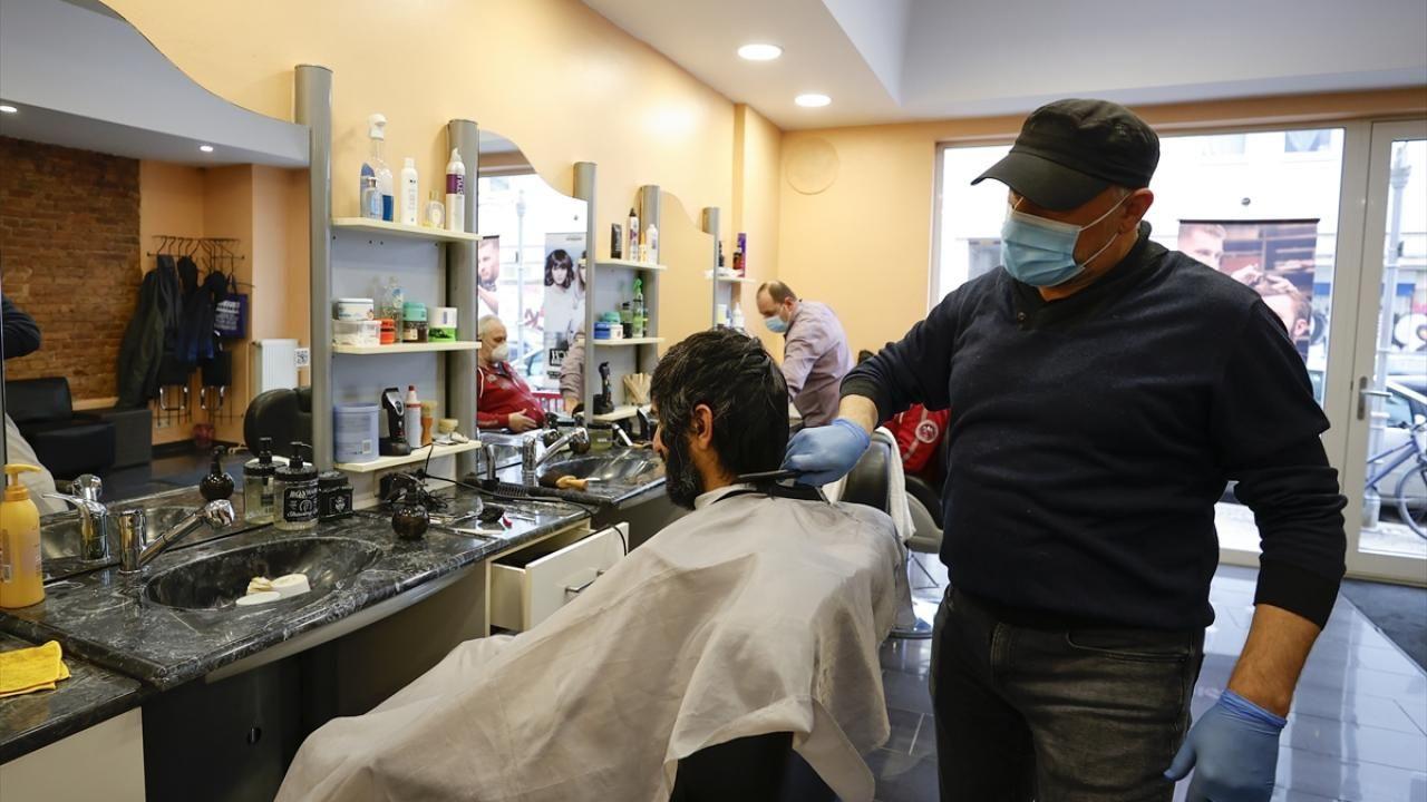 Almanya'da kuaför ve berber salonları yeniden açıldı - Sayfa 4