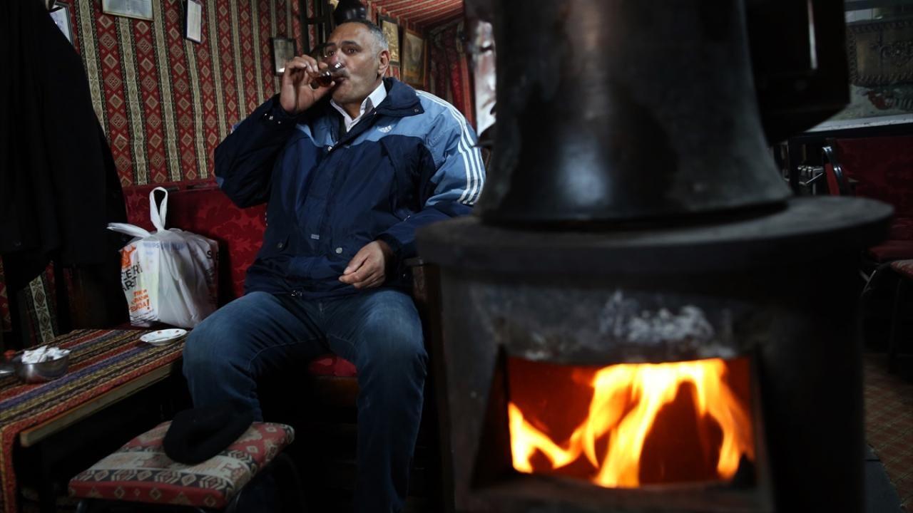'Dadaşlar' kıraathanede kıtlama çay keyfine kavuştu - Sayfa 2