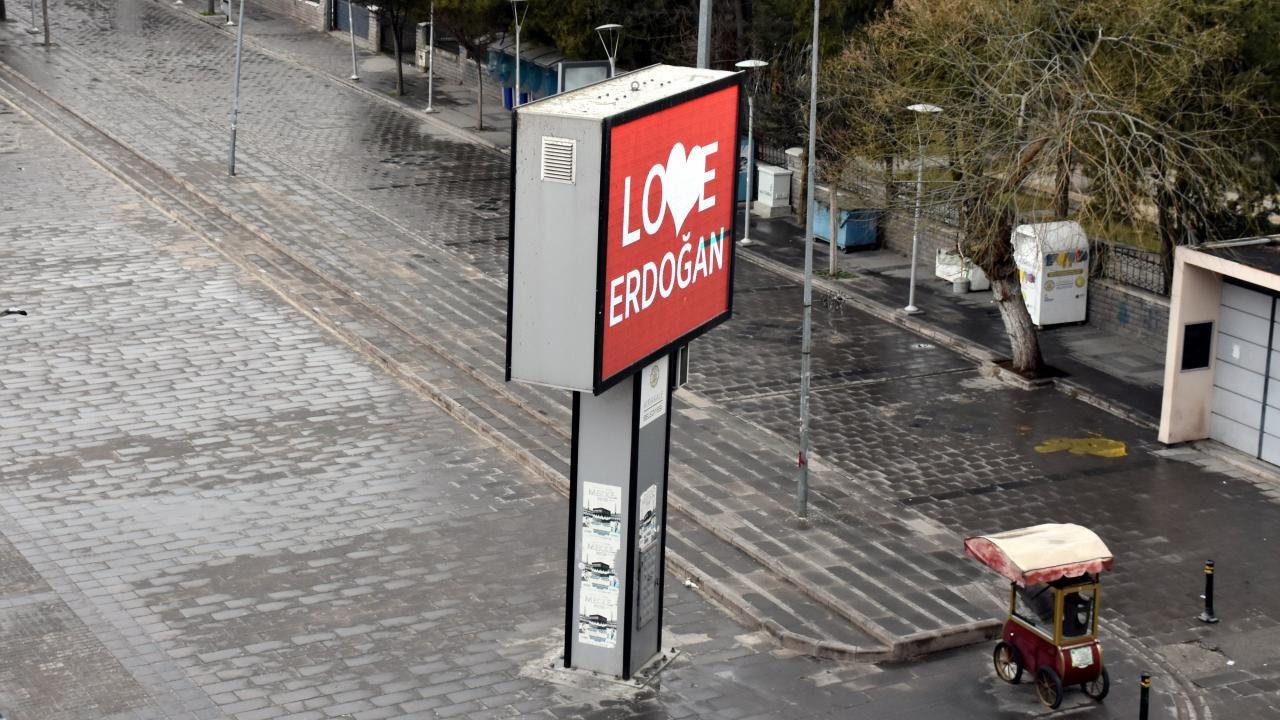 New York'a tepki olarak bilbordlara 'Love Erdoğan' görseli yansıtıldı - Sayfa 4