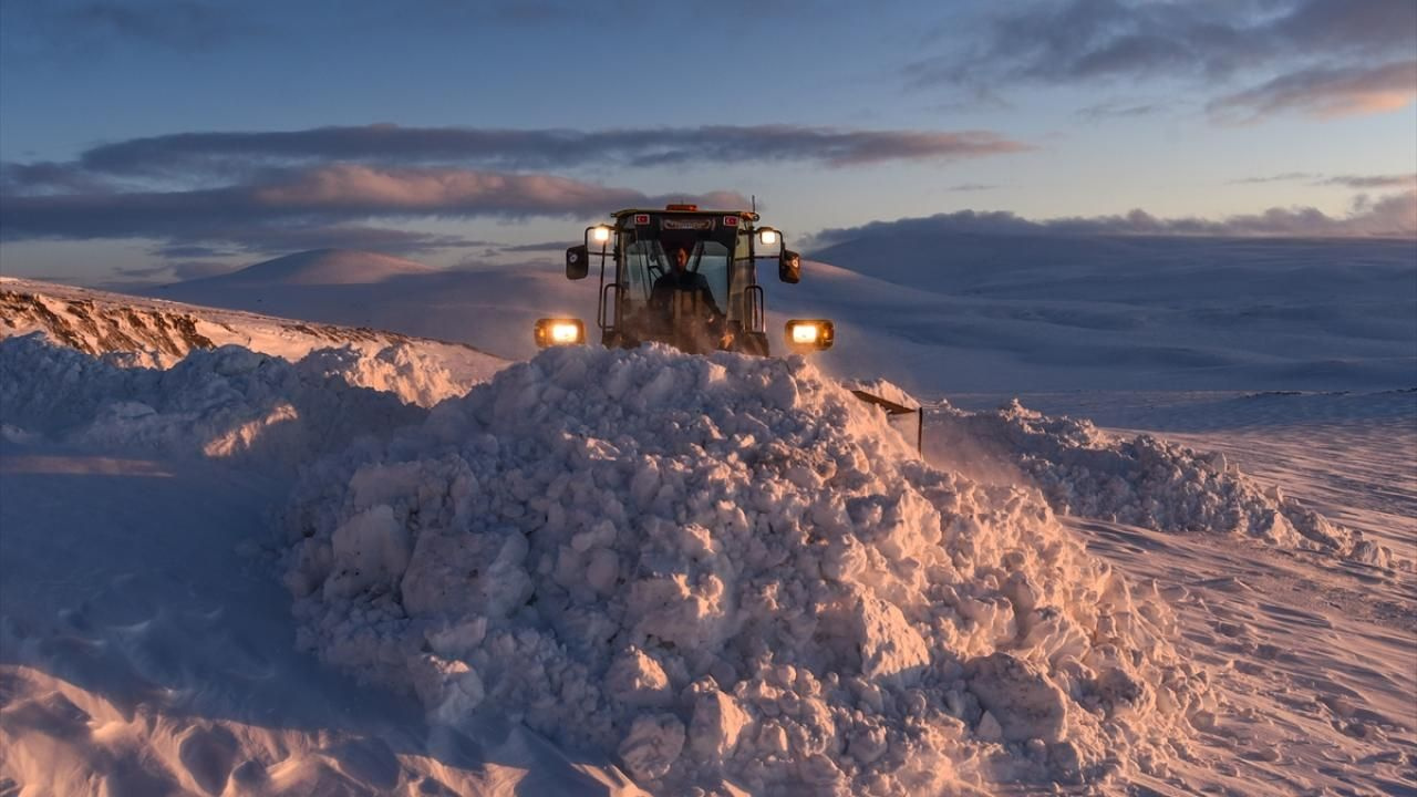 Kar kaplanları baharda da karla mücadele ediyor - Sayfa 2