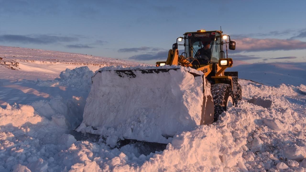 Kar kaplanları baharda da karla mücadele ediyor - Sayfa 3