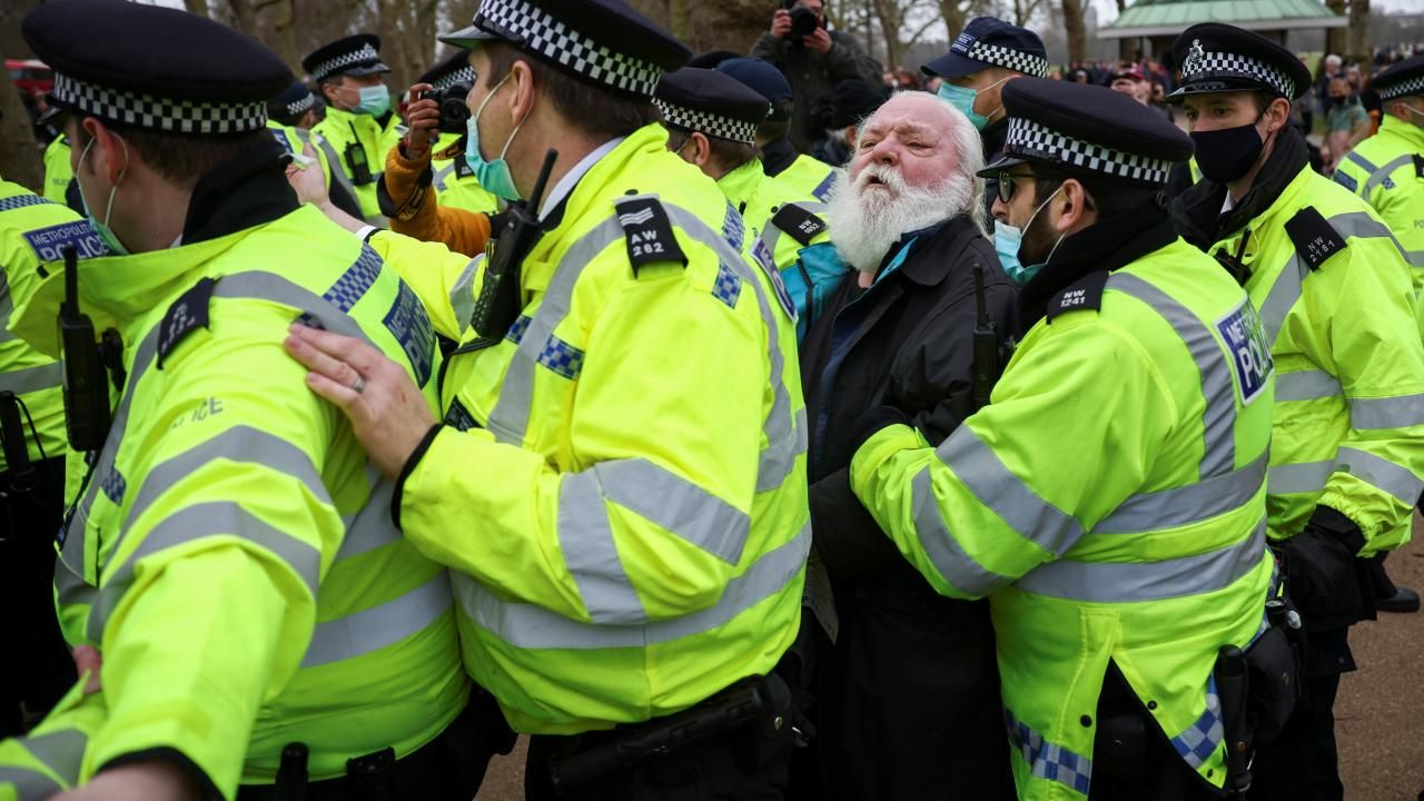 Londra'da 'maskesiz' kısıtlama protestosu - Sayfa 1