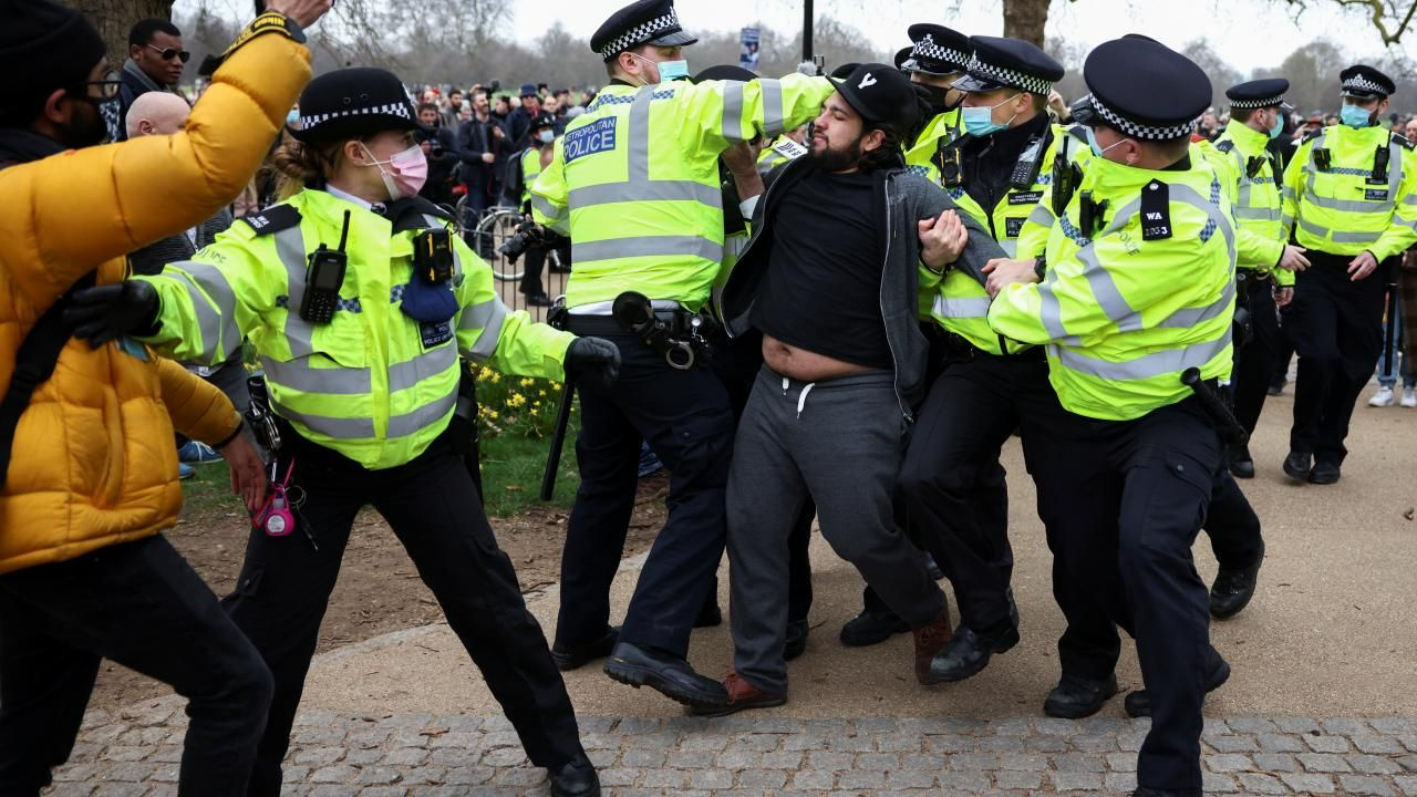 Londra'da 'maskesiz' kısıtlama protestosu - Sayfa 2