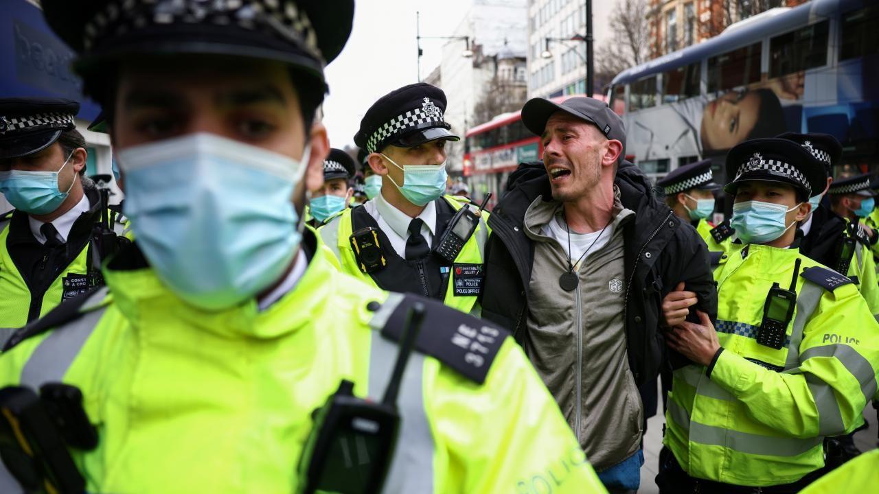 Londra'da 'maskesiz' kısıtlama protestosu - Sayfa 4